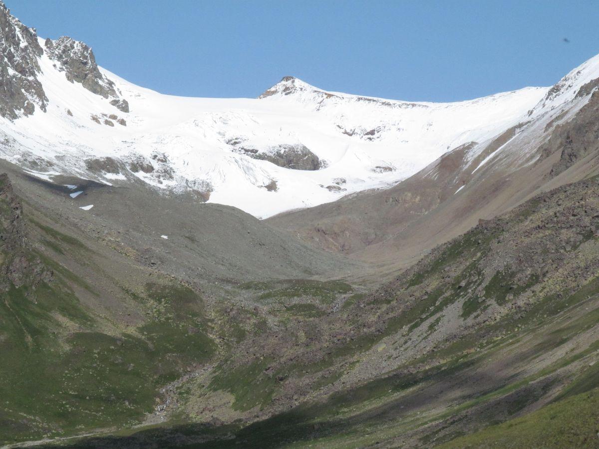 Кавказ 2019. Ущ. Ирик-чат. Ирикчат в снегу.