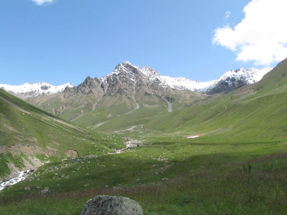 Кавказ 2019. Ущ. Ирик-чат. Перед спуском в долину.