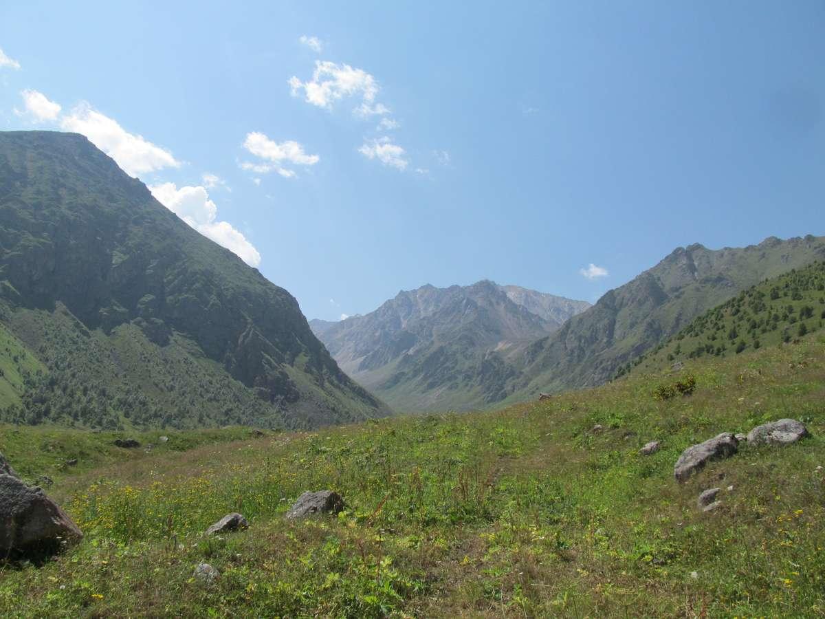 Кавказ 2017. Ущ. Каярты-су. Идём вверх по ущ. Каярты-су.