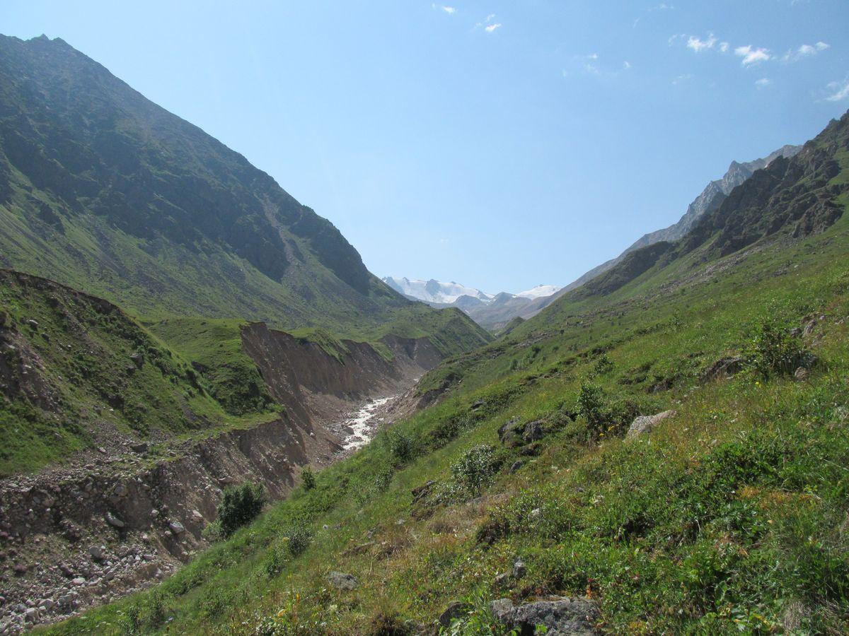 Кавказ 2017. Ущ. Каярты-су. Подъём в верховья ущ. Каярты-су.