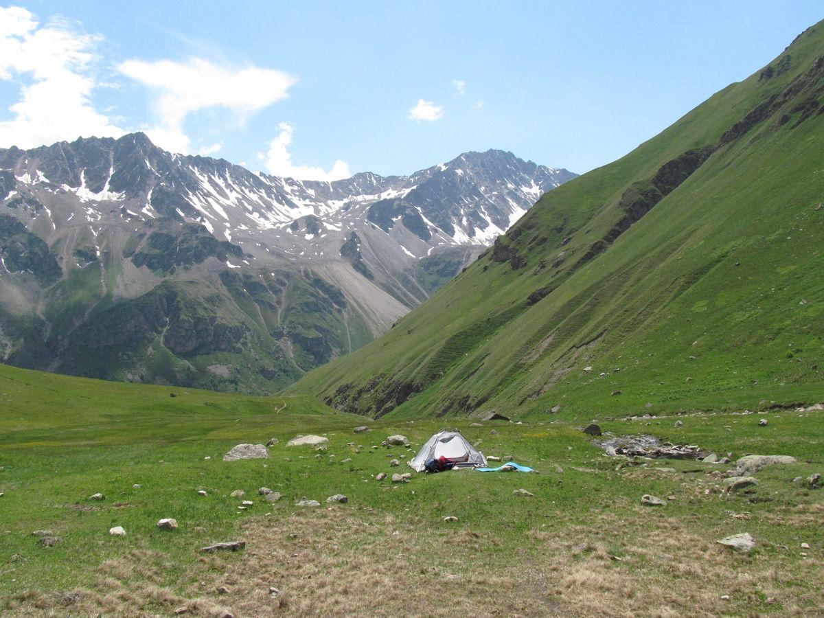 Кавказ 2019. Ущ. Ирик-чат. Ночёвка возле снежника.