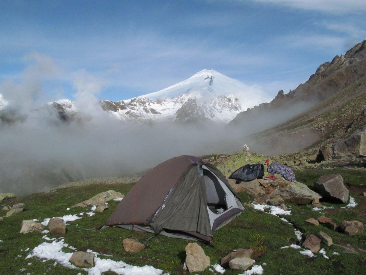 Кавказ 2019. Ущ. Ирик-чат. Наутро снег ещё кое-где был.